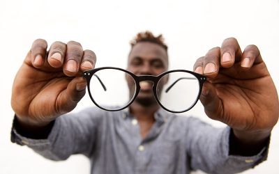 Buying Glasses Online vs. In-Store. Is it Worth the Convenience?