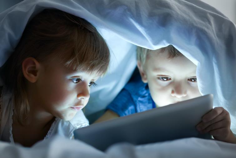 childrens eye health increasing screen time